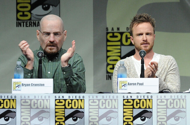 Bryan Cranston cosplays his own 'Breaking Bad' character