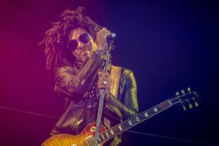 Lenny Kravitz Announces Raise Vibration Tour