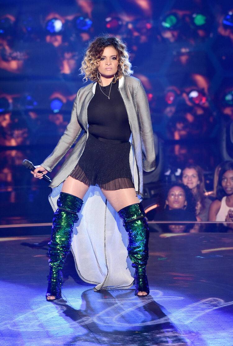 Whitney Reign performs on 'The Four'
