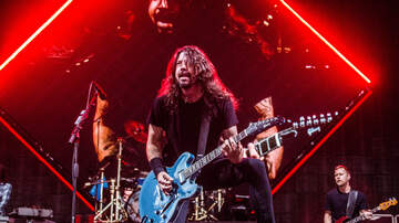 Concert Photos - Foo Fighters at Ruoff Home Mortgage Music Center