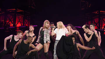 Most Requested Live - Best of the Web - Taylor Swift & Hayley Kiyoko Perform Curious at Foxborough Show