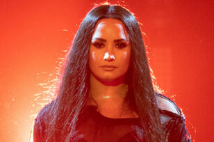 Demi Lovato Remains Hospitalized With 'Complications' 6 Days After Overdose
