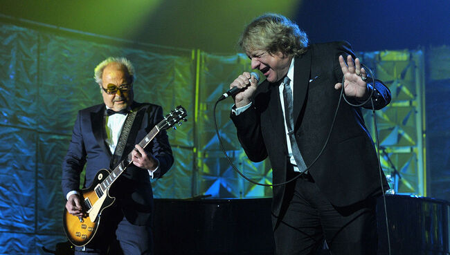 Lou Gramm Wants to Write With Mick Jones Again