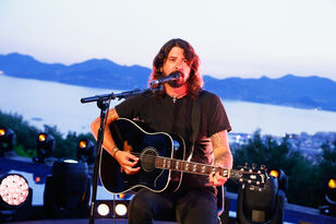 Dave Grohl joins Trombone Shorty for In Bloom