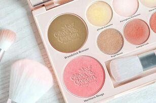 Olive Garden Might Be Releasing A Makeup Palette