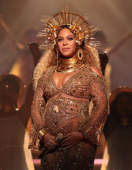 """""""I was 218 pounds the day I gave birth to Rumi and Sir"""", shares Beyonce' in Vogue."""