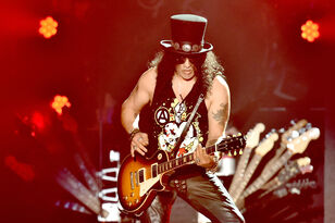 Slash Says There Is A Pretty Good Possibility Of New Guns N' Roses Album