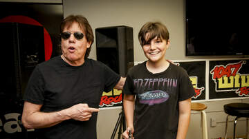 Photos - George Thorogood in the WTUE Listener Lounge
