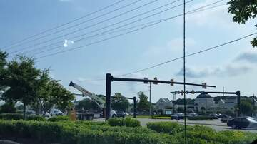 Rozak - Wilmington NC Crane Tears up Intersection
