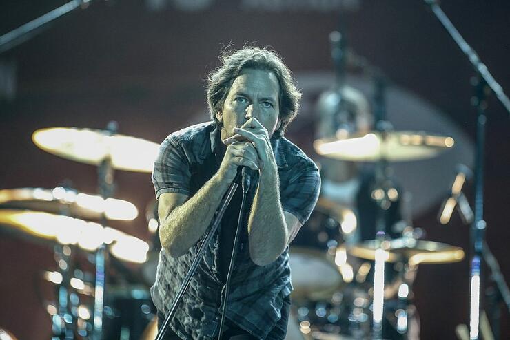 Eddie Vedder Reunites With Dutch Woman He Met 27 Years Ago | iHeartRadio