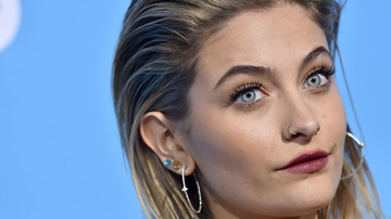 Weird, Odd and Bizarre News - Paris Jackson Underwent Surgery For Condition That Could've Killed Her