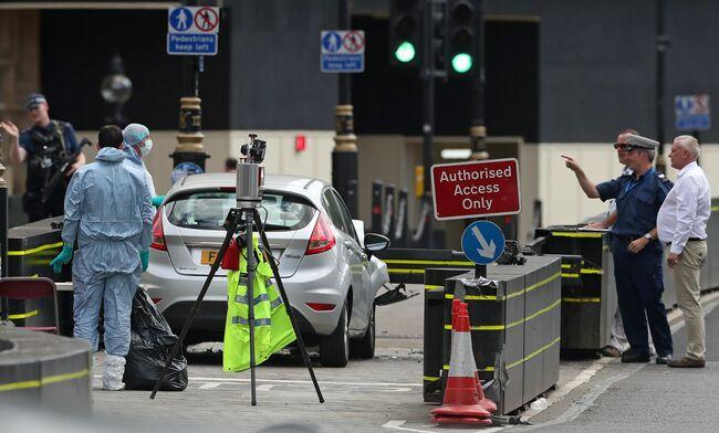 London terror vehicle attack leaves 3 people injured