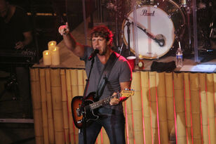 Billy Currington Performing At Hot Country Nights
