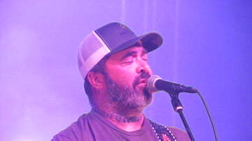 Austin James - Aaron Lewis stops concert because he doesn't speak Spanish