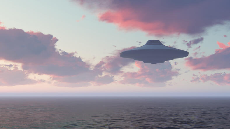Pentagon Admits: We're Investigating UFOs