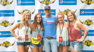 Bull Float Trip - Aaron Watson Meet & Greet at The Bull Float Trip