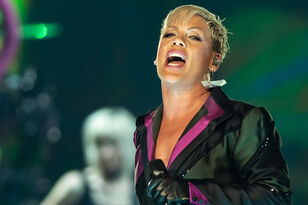 Pink Walks Into Crowd To Comfort Grieving Fan At Brisbane Show