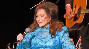 The Laurie DeYoung Show - So Metallica Covered Loretta Lynn & She LOVED It (WATCH)