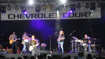 Photos - (PHOTOS): Hunter Hayes at Chevy Court
