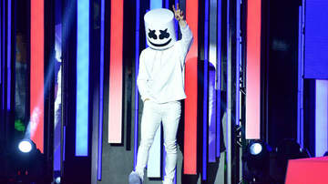 Trending - Marshmello Trolls 2018 iHeartRadio MMVAs In Canada With Identity Reveal