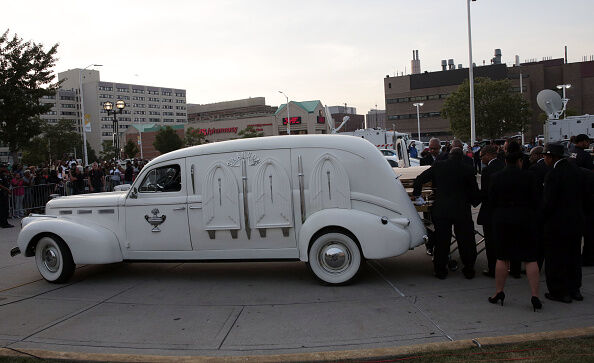 A vehicle carrying the casket containing Aretha Franklin arrives at the Charles H. Wright Museum of African American History for a viewing on August 28, 2018 in Detroit, Michigan