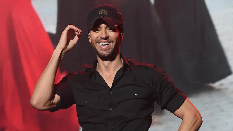 Watching Enrique Iglesias Make His Twins Laugh Is The Cutest Thing Ever