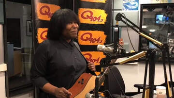 Out Of The Box - Joan Armatrading Talks About Doing It All Herself on 'Not Too Far Away'