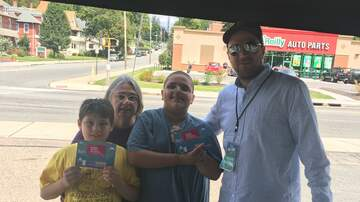 Photos - Adam Rivers and KC101 at Metro PCS Willimantic