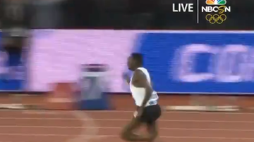 The Common Man - VIDEO: Track Star Wins Race With One Shoe!