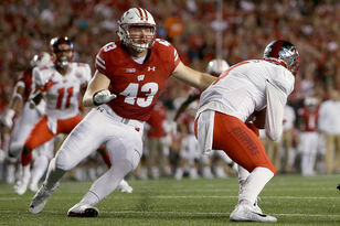 Ryan Connelly records a sack, TFL, 5 tackles in Badgers win