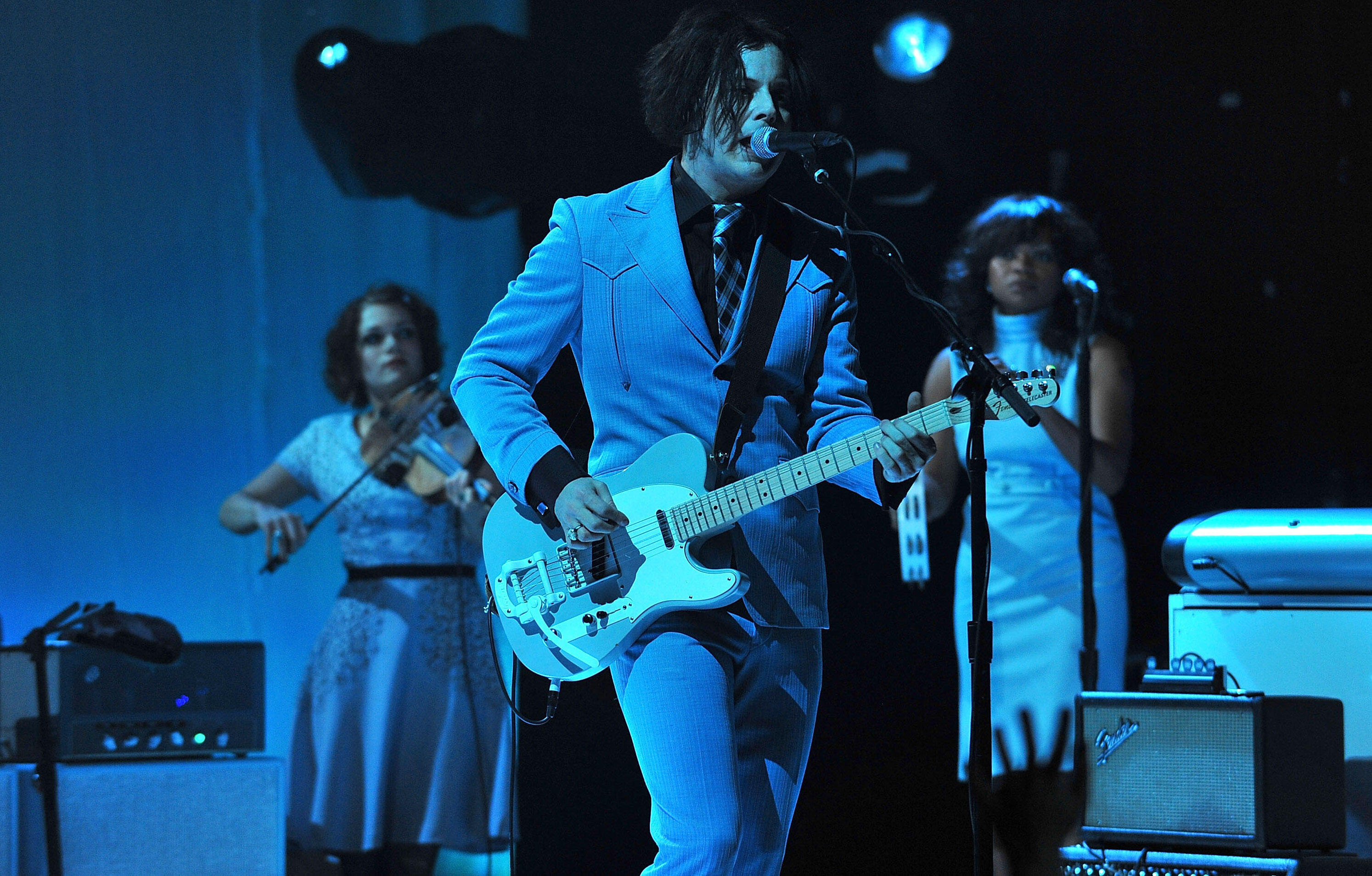 Jack White Sings the Polish Birthday Song to His Mother at a Warsaw Concert