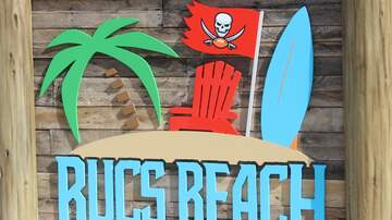 The Pat And Aaron Show - PHOTO GALLERY: Bucs Beach And Bar No.76