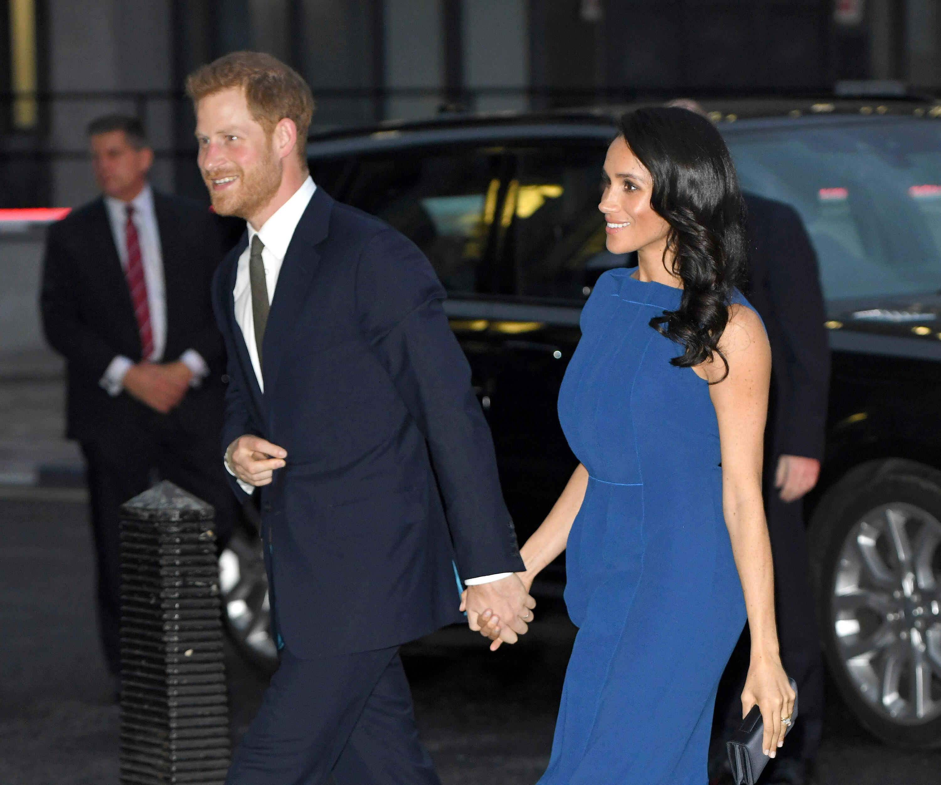 Is Meghan Markle Pregnant? This Dress Has Everyone