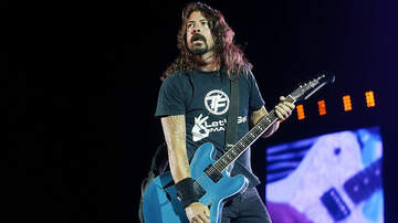 iHeartRadio Music News - Dave Grohl Denies Rumors That He's On The New Queens Of The Stone Age Album