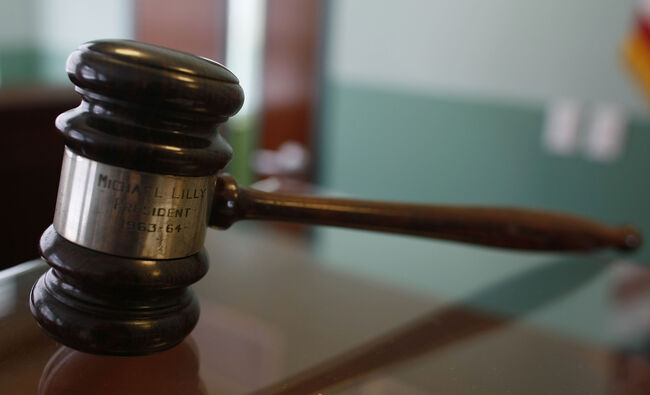 Ex-PIMCO Chief, O.C. Philanthropist Plead Guilty in College Admissions Scandal