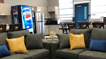 LA Entertainment - Check Out Ramona Elementary School's Teachers' Lounge Makeover!