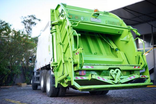 Garbage Truck Getty RF