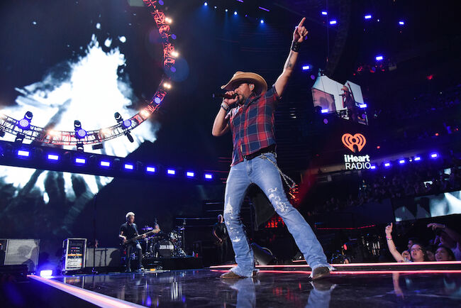 Jason Aldean performs at the 2018 iHeartRadio Music Festival