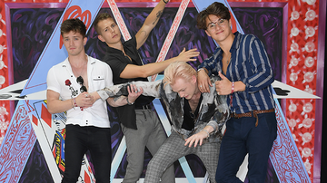 None - 2018 iHeartRadio Music Festival: Top 10 Fan Reactions To The Vamps Set