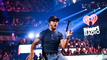 iHeartRadio Music Festival - 5 Luke Bryan GIFs That Prove He's King of Dance Floor at iHeart Festival