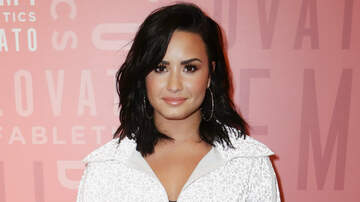 JJ - Demi Lovato Spotted Kissing New Man