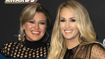 iHeartRadio Music Festival - Kelly Clarkson Tears Up While Praising Pregnant Carrie Underwood