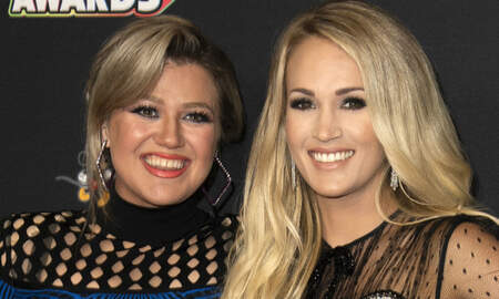 Country News - Kelly Clarkson Tears Up While Praising Pregnant Carrie Underwood