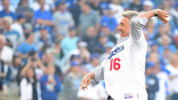 Dodgers Clubhouse - Former Dodgers Player Rick Monday Talks About The Series Vs. The D-Backs
