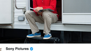 Jamie Martin - First look at Tom Hanks as Mr. Rogers