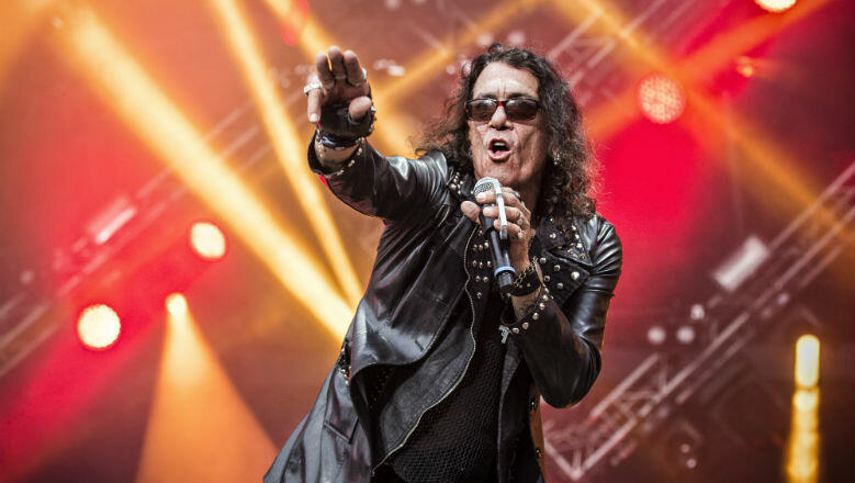 Stephen Pearcy Apologizes For Intoxicated RATT Show: 'There Is No Excuse'