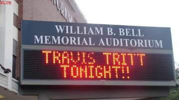 Photos - Travis Tritt at The Bell