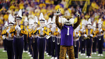 Louisiana Sports - LSU Up To 4th In AP, Coaches Polls
