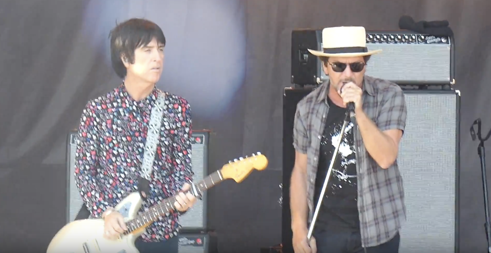 Johnny Marr and Eddie Vedder Cover 'There Is A Light That Never Goes Out'
