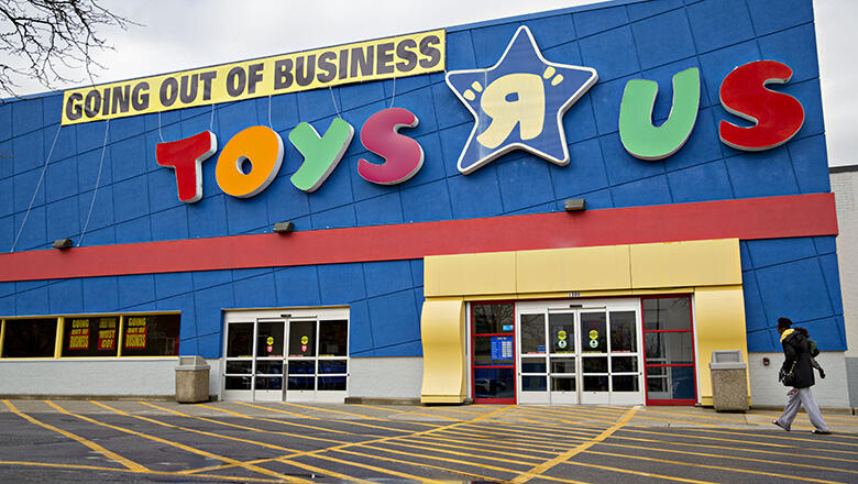 Toys R Us Cancels Bankruptcy Auction Plans Comeback Iheartradio